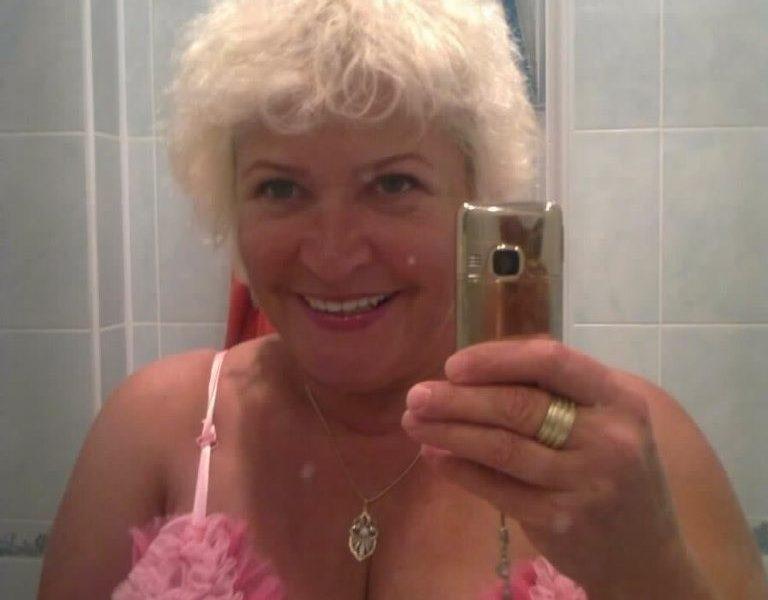 Baka Jelena – Otkacena baka